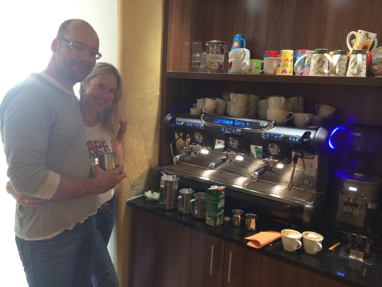 referenzen kaffeemaschinen das kaffee haus. Black Bedroom Furniture Sets. Home Design Ideas